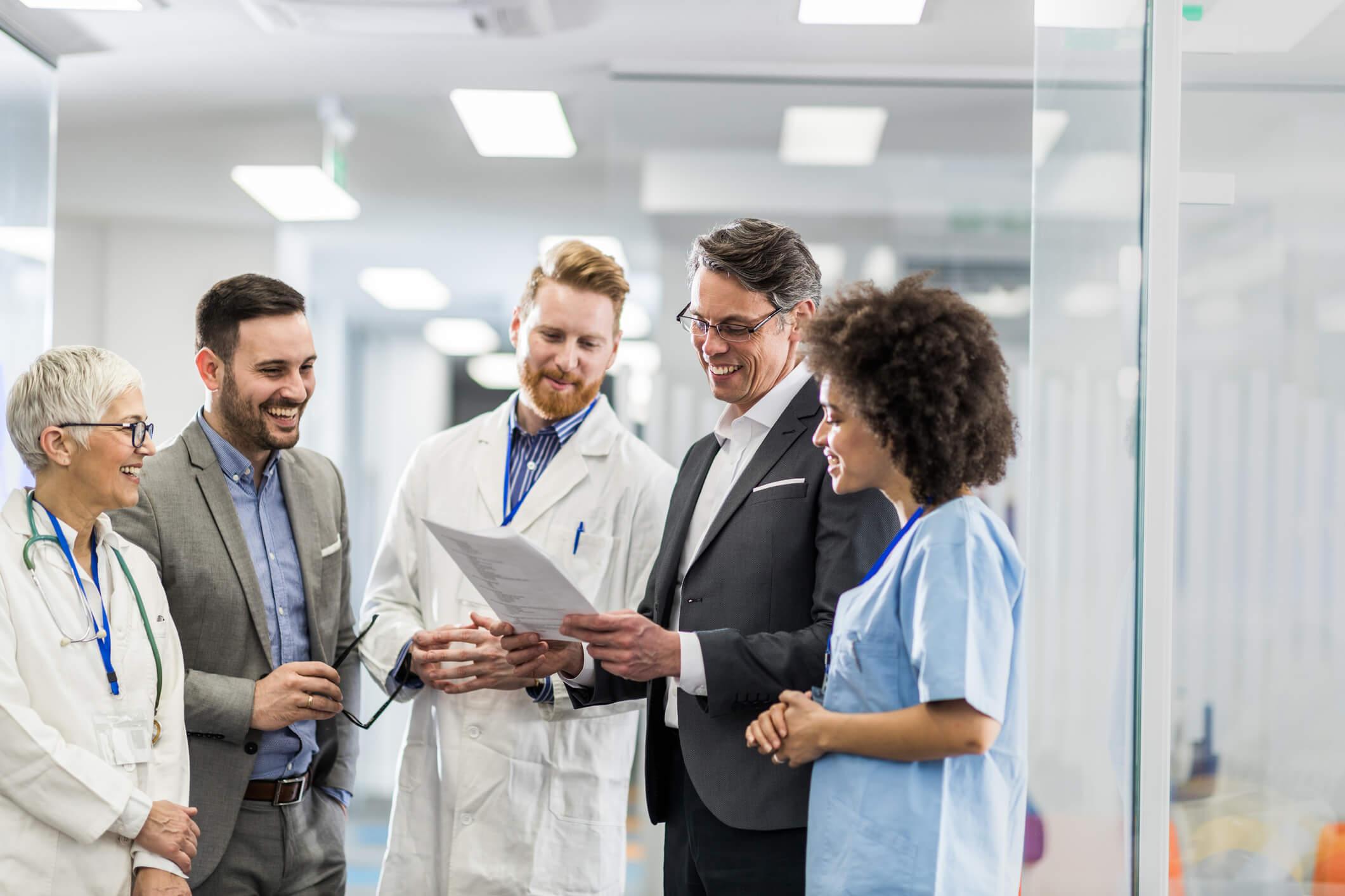 M´´dico buscando alternativas para redução da glosa médica