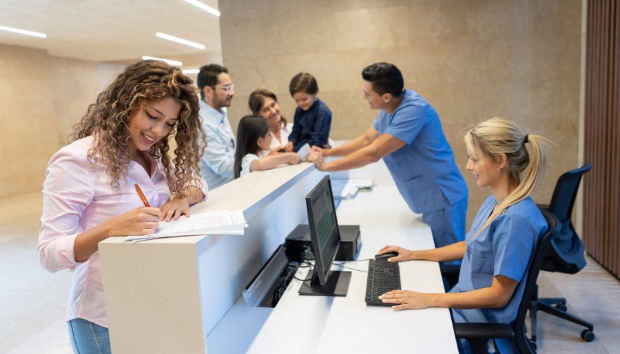 Conheça 6 ideias para otimizar a recepção do consultório
