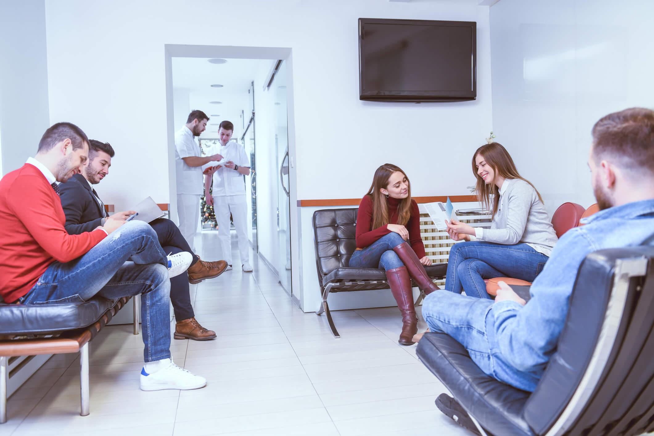 Consultório com grande numero de pacientes