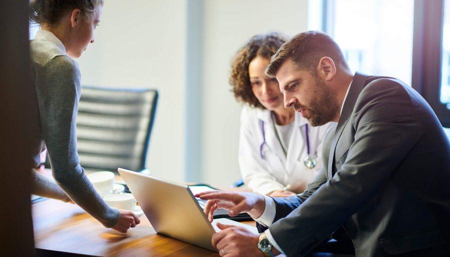 Como a internet ajuda a atrair pacientes para o consultório?